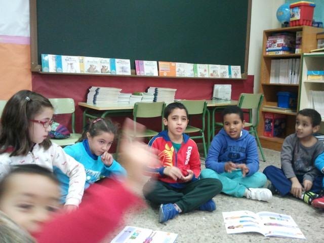 Grupo de niños en el taller
