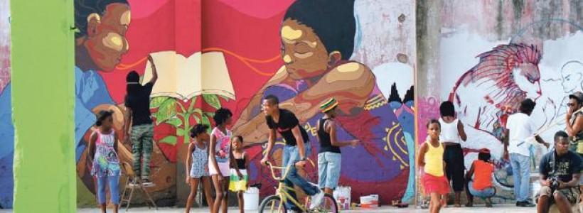 Imagen de unos jóvenes con bicicletas en Jamaica