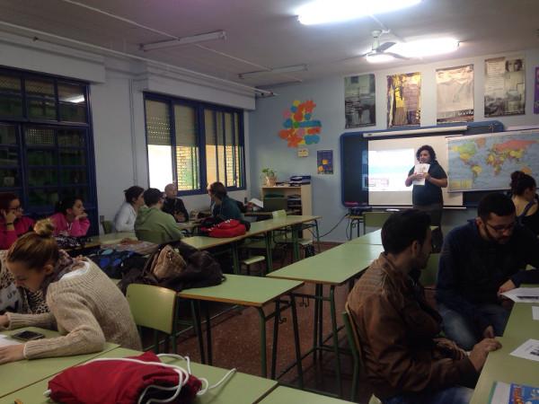 Otra imagen del grupo de jóvenes en clase
