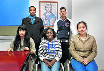 Imagen del grupo de jóvenes
