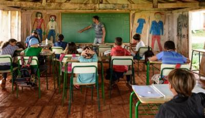 Imagen de un grupo de niños en una clase