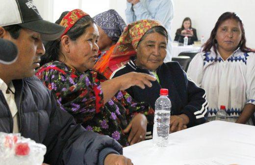 Imagen de varias indígenas mexicanas