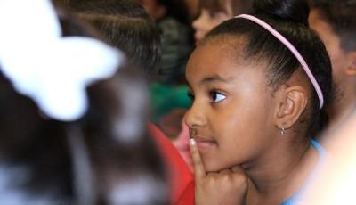 imagen de una niña de color