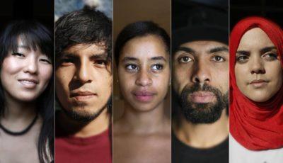 imagen de varios jovenes de diferentes etnias