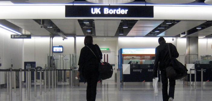 imagen de la frontera de un aeropuerto británico