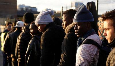 Grupo de migrantes en París