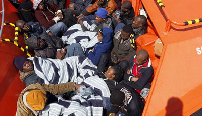 Imagen de una embarcación de inmigrantes
