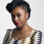 Imagen de la escritora Chimamanda Ngozi Adichie