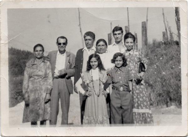 Fotografía antigua de la familia de la autora
