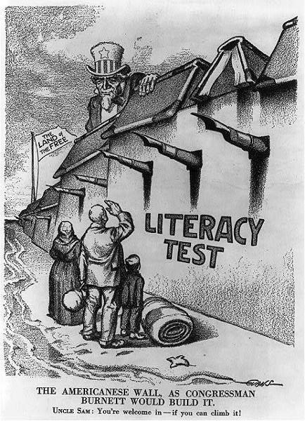 Imagen de un enorme muro de alfabetización