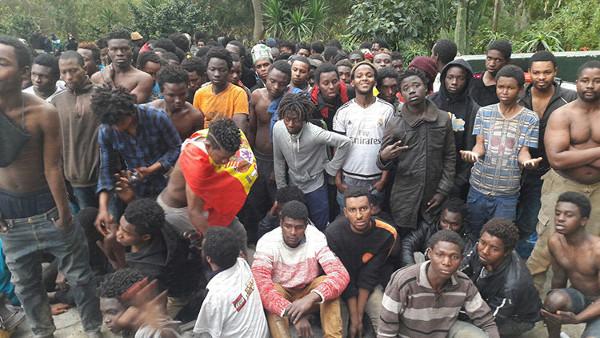 grupo de inmigrantes subsaharianos