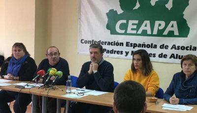 Imagen de una mesa de la CEAPA