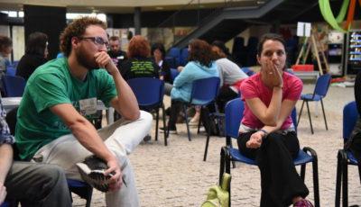 imagen de dos participantes en un grupo