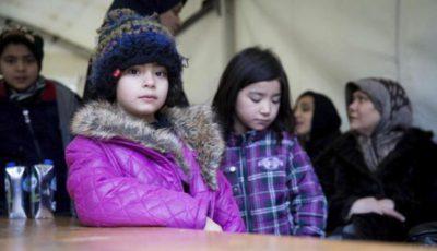 imagen de niños y niñas refiugiados