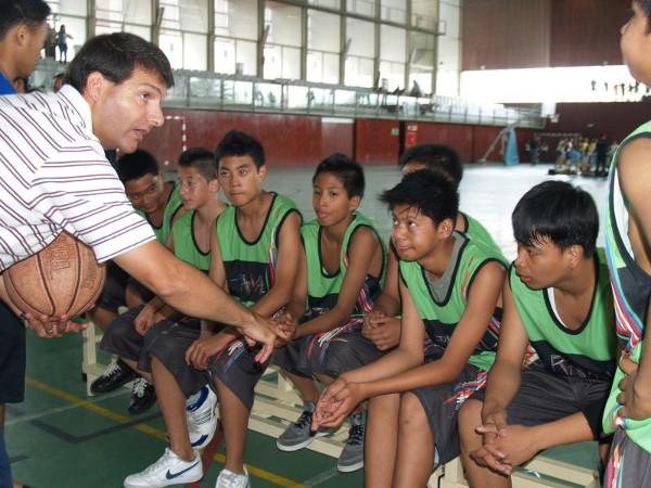 Jóvenes deportistas de la asociación Braval