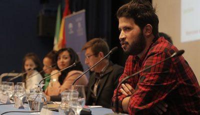 Imagen de una charla en la Fundación Tres Culturas