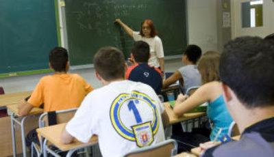 alumnos de ESO en clase de matemáticas