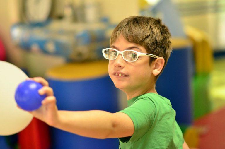 Imagen de Adrián, el niño readmitido en La Rioja