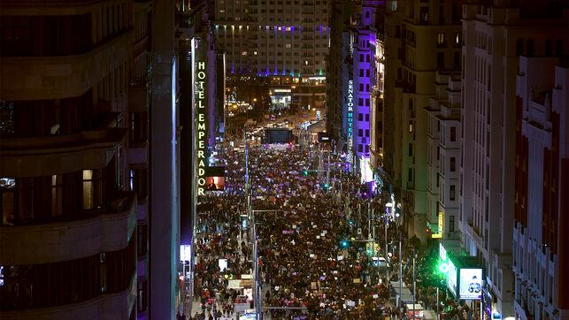 Imagen de la multitudinaria manifestación del 8M 2019 en la Gran Vía madrileña