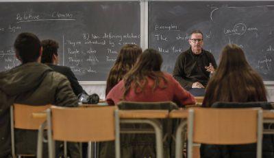 Imagen de un grupo de alumnos y profesor de un Instituto de Valencia