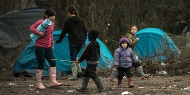Imagen de varios niños en un campamento de refugiados