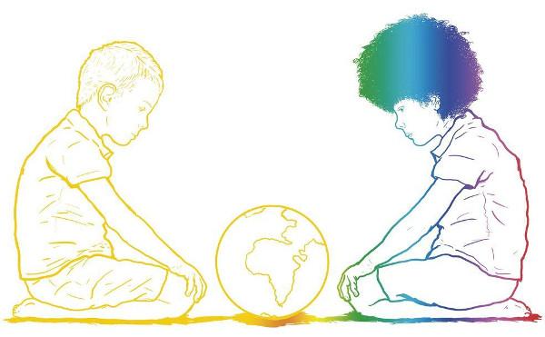 dibujo de dos niños de diferente raza mirando un globo terráqueo