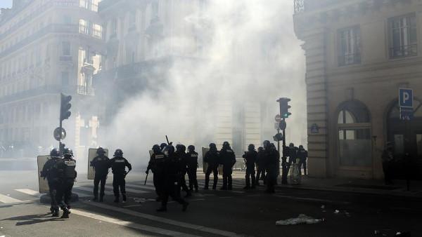 Imagen de los policías en la manifestación
