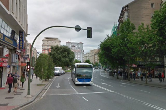 Imagen de un autobús de transporte interurbano