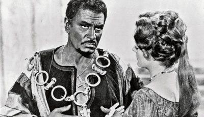 Laurence Olivier en la película Otello
